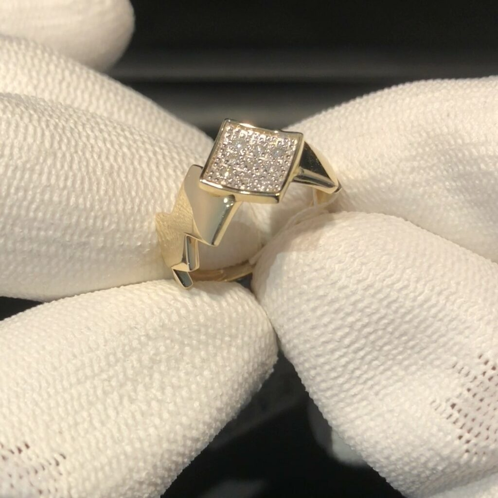GDR-197 geelgouden ring 14 kt met brilj. mt 17 1/2